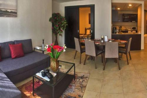Newly Furnished 2 bdr, 10 minutes from the beach, Dubái