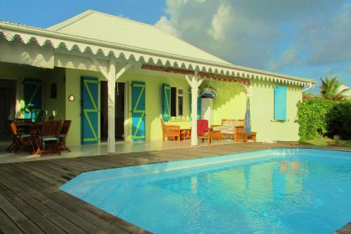 Villa with swimming pool close to the beach, Sainte-Luce