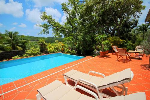 Villa with swimming pool and garden view, Sainte-Anne