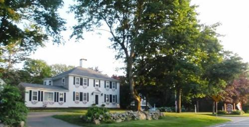 Sesuit Harbor House Photo