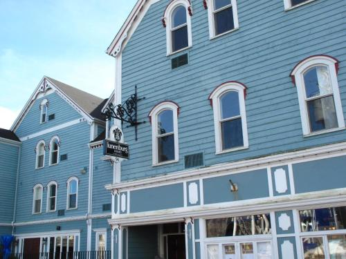 Lunenburg Arms Hotel Photo