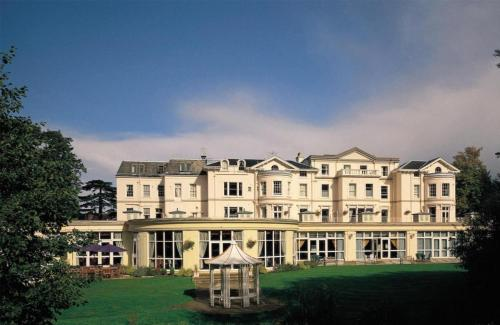 Photo of DoubleTree by Hilton Cheltenham Hotel Bed and Breakfast Accommodation in Cheltenham Gloucestershire