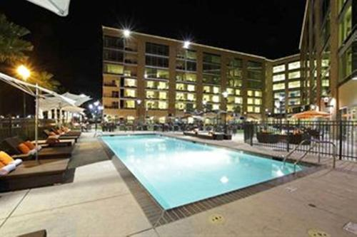 University Plaza Waterfront Hotel Photo