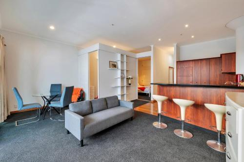 Suberb Waterfront City 2 Brm Apartment, Auckland