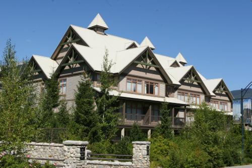 ResortQuest Rentals at Stoney Creek Lagoons, Уистлер