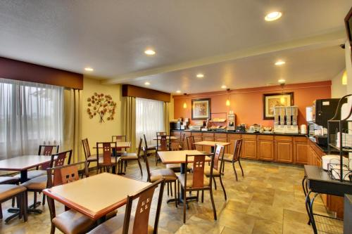 Best Western PLUS Altoona Inn Photo