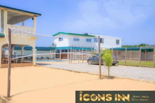 Icons Inn, Elmina