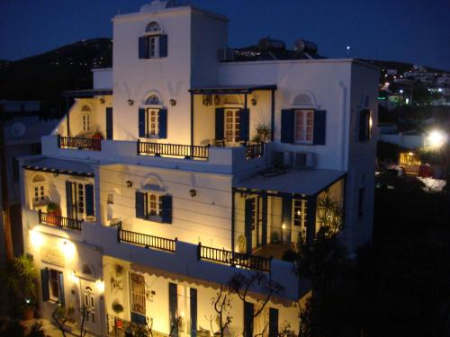 Boussetil Rooms in tinos - 0 star hotel