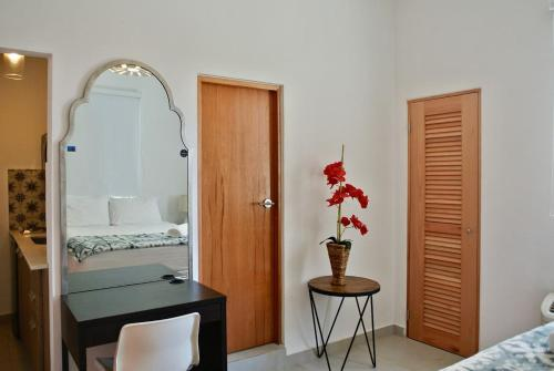 Charming Studio in the Center of Calle Loiza - #8, San Juan