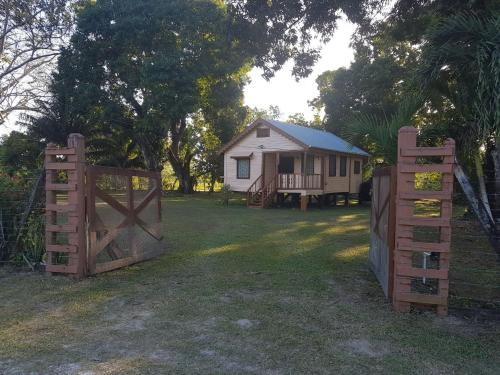 See Belize Birdwatchers Vacation Cottage, Crooked Tree