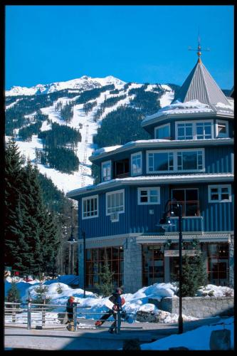 Town Plaza Suites by ResortQuest Whistler Photo