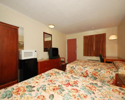 Econo Lodge West Dodge Omaha Photo