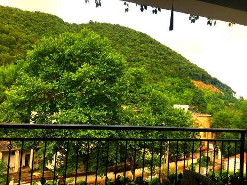 Mogan Mountain Jieluju Guesthouse, Deqing