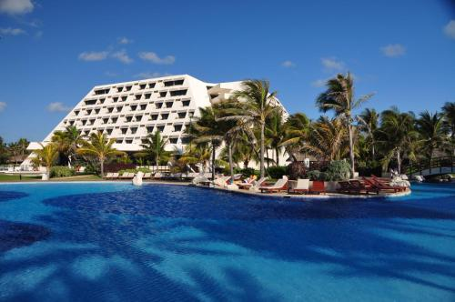 Oasis Cancun All Inclusive