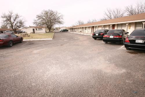 Andrews Motor Inn Photo