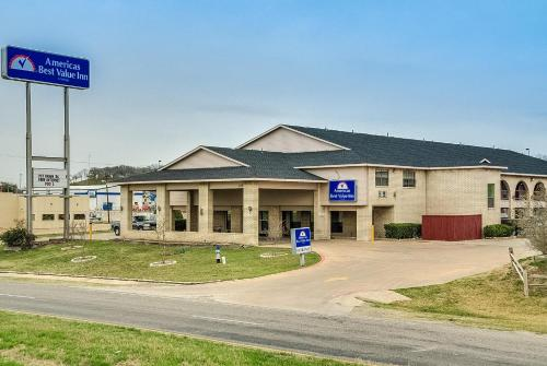 Americas Best Value Inn Midlothian Photo