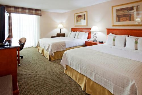 Holiday Inn Bloomington Airport Photo