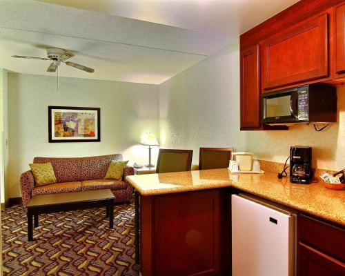 Quality Inn & Suites Mansfield Photo