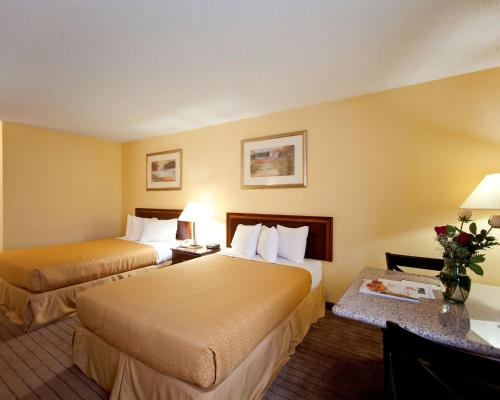Quality Inn Fuquay Varina/ Holly Springs Photo
