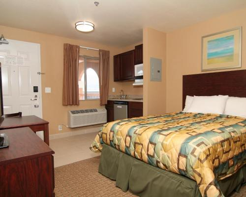 Suburban Extended Stay Hotel Alamogordo Photo