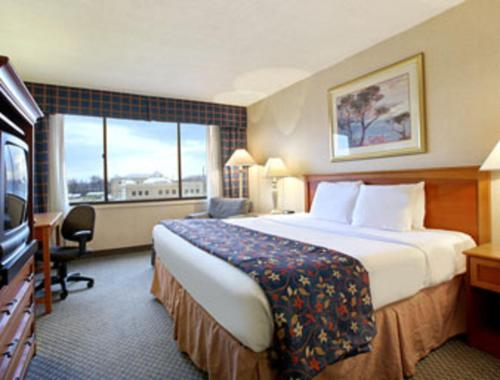 Clarion Hotel Indianapolis photo 16