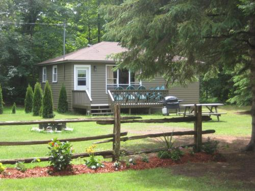 Cloverleaf Cottages Photo