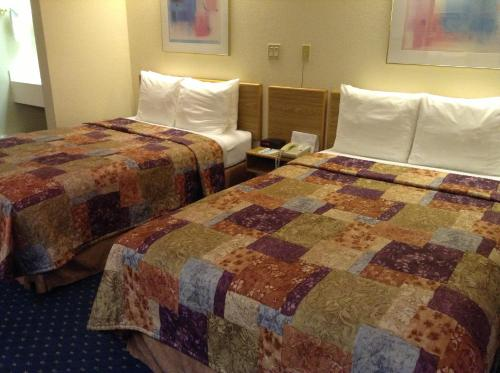 Econo Lodge Denver International Airport Photo
