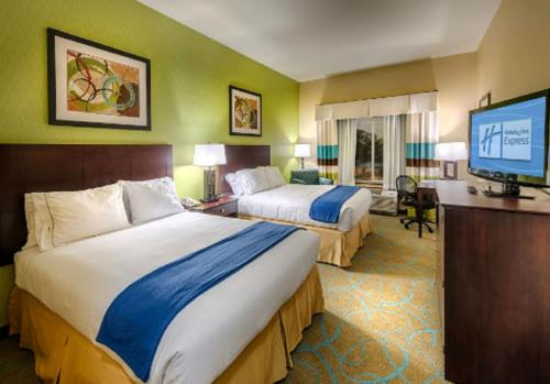 Holiday Inn Express & Suites Red Bluff-South Redding Area - Red Bluff, CA 96080