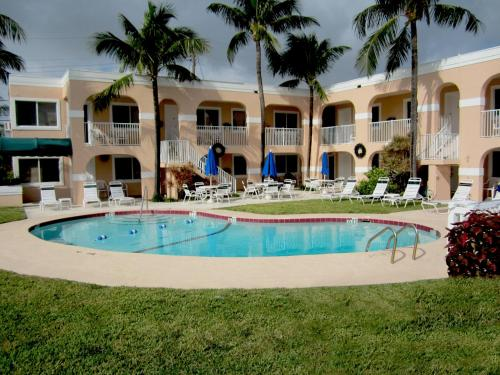 Coral Key Inn Photo