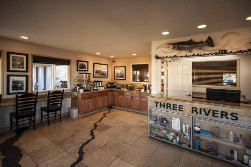 Three Rivers Inn Photo