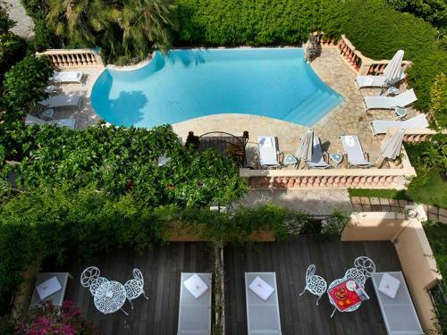 H tel juana antibes book your hotel with viamichelin for Boutique hotel juan les pins