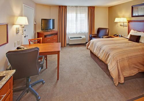 Candlewood Suites Williston Photo