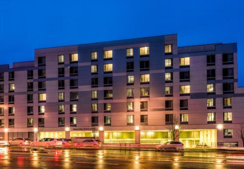 SpringHill Suites by Marriott New York LaGuardia Airport Photo