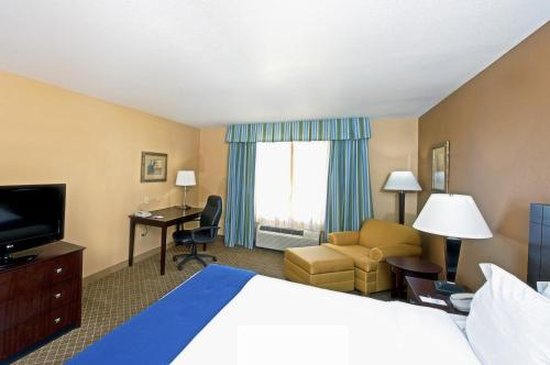 Holiday Inn Express Hotel & Suites I-10 & Grant Road
