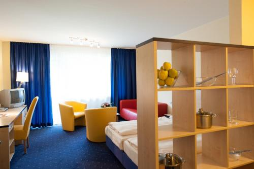 staymunich serviced apartments munich cheap flexible. Black Bedroom Furniture Sets. Home Design Ideas