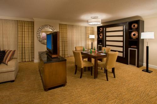 Toronto Airport Marriott Hotel photo 16