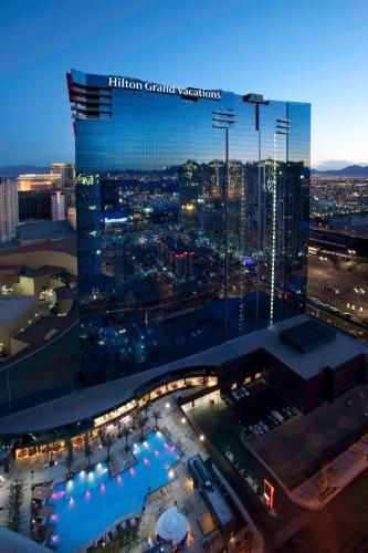 Elara by Hilton Grand Vacations - Center Strip Photo