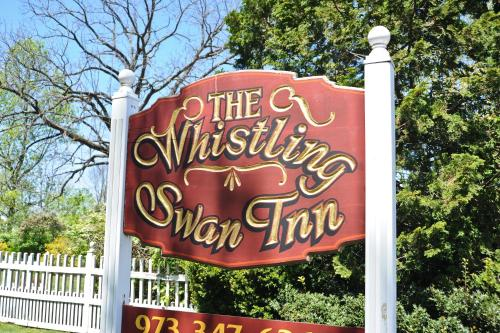Whistling Swan Inn Photo