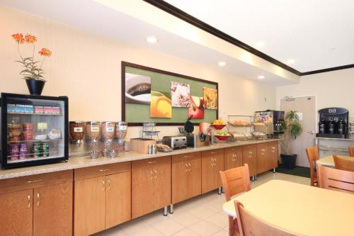Fairfield Inn by Marriott Minneapolis/Coon Rapids Photo