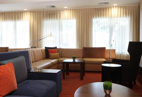 Courtyard By Marriott Salinas Monterey - Salinas, CA 93907