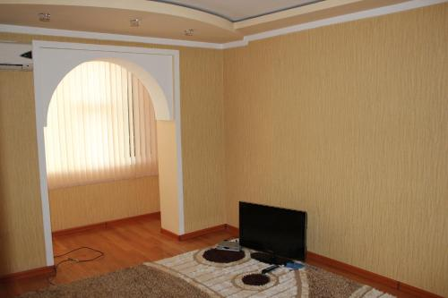 Apartment on Markazi, Isfara