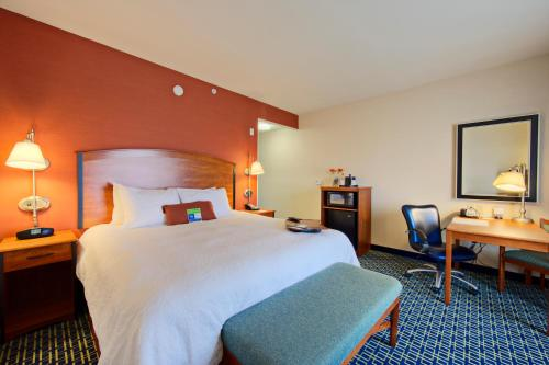 Hampton Inn And Suites Ridgecrest - Ridgecrest, CA 93555