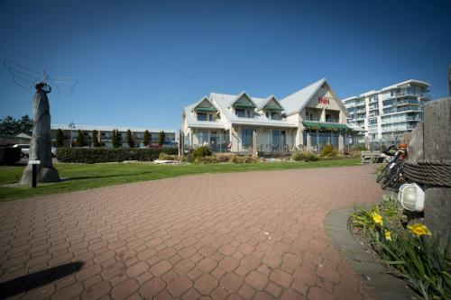 Sidney Waterfront Inn Photo