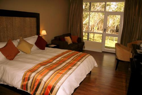 Protea Hotel by Marriott Lusaka Safari Lodge Photo