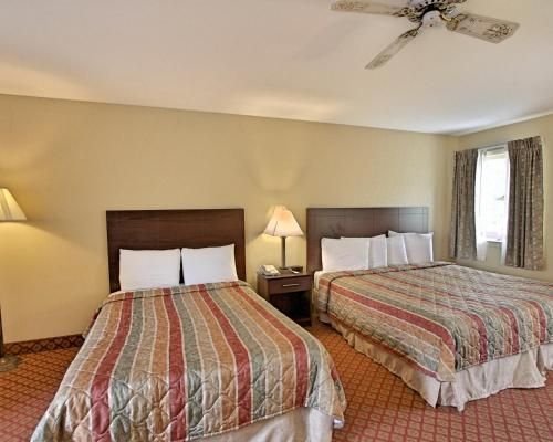 Rodeway Inn & Suites Photo