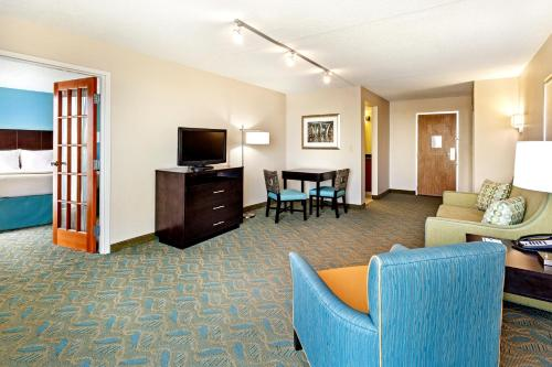 Holiday Inn Express Charleston Downtown - Medical Area Photo