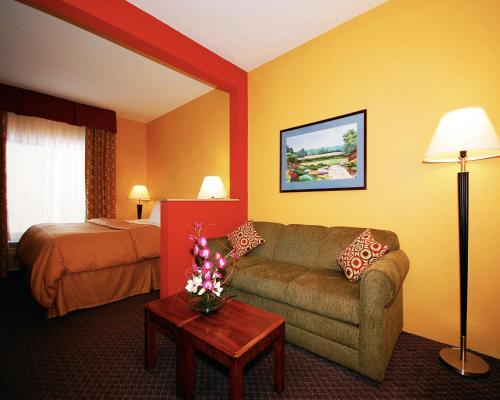 Comfort Suites Stevens Point Photo