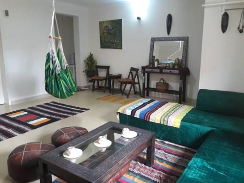 Afro-Bohemian Entire Apartment with Gym and Pool, Maroko
