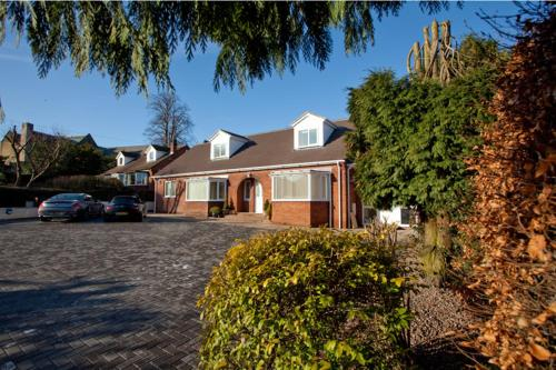 Photo of Holly Lodge Hotel Bed and Breakfast Accommodation in Alnwick Northumberland