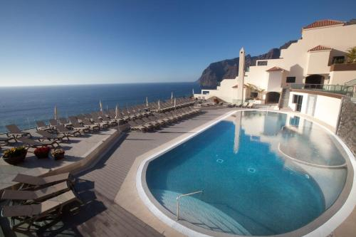 Royal Sun Resort, green hotel in Acantilado de los Gigantes, Spain